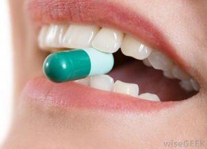 نحوه استفاده از آنتی بیوتیک بعد از ایمپلنت دندان 191949494