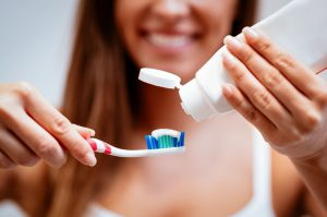 مراقبت از دندان ایمپلنت شده 654564564